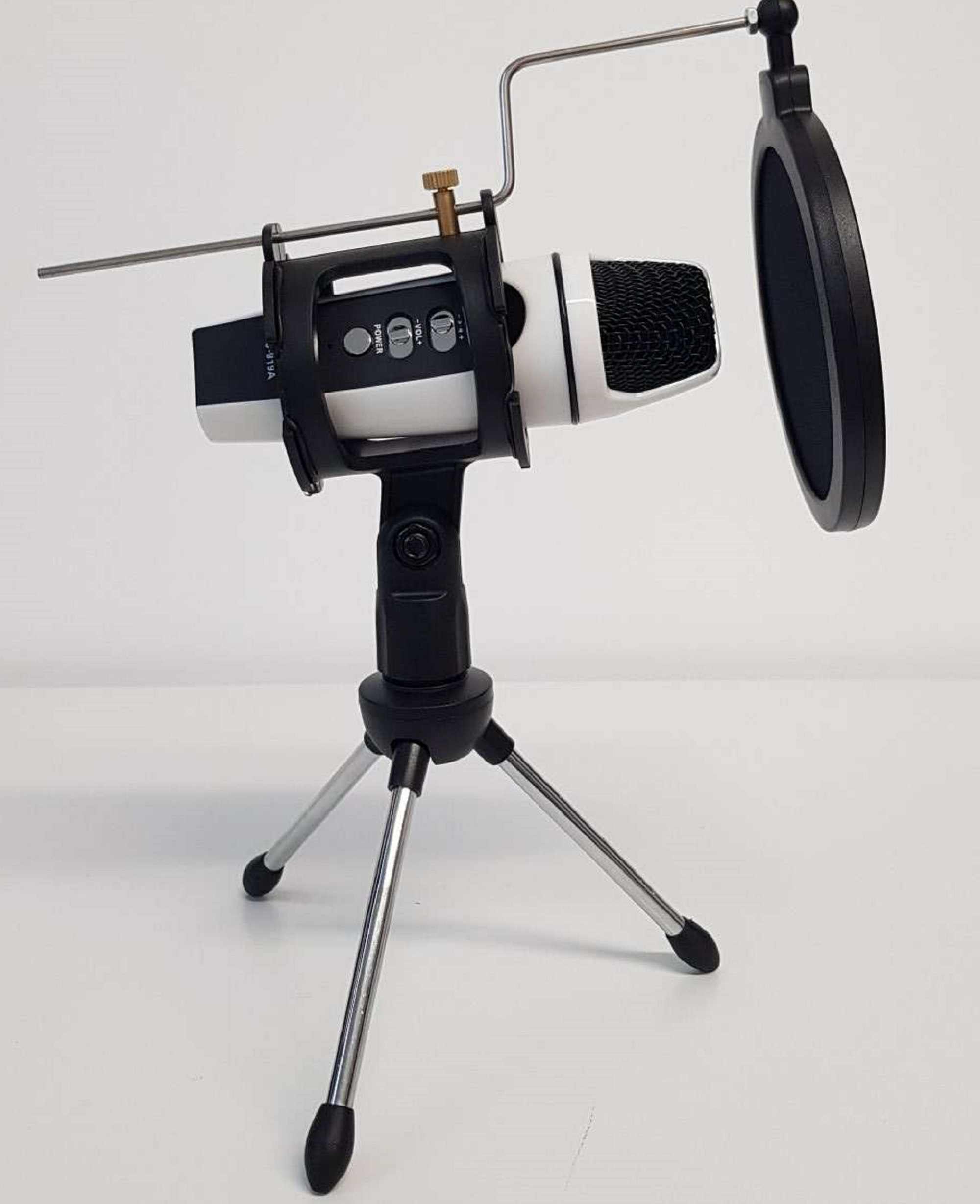 mic in tripod with filter