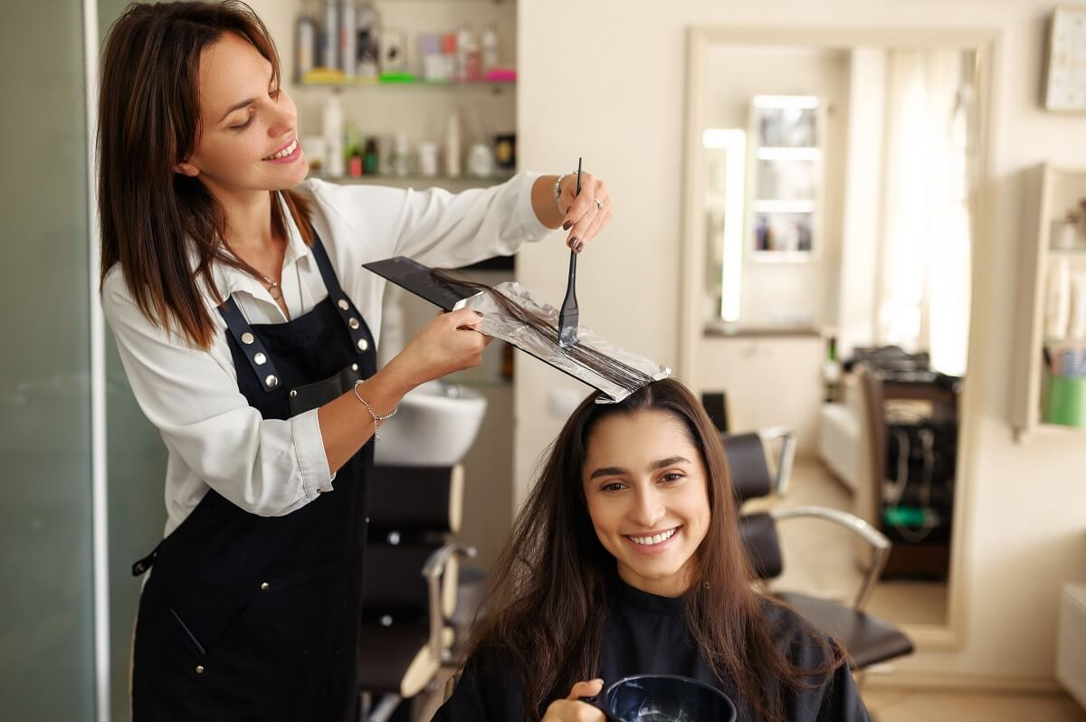 how to run a salon business