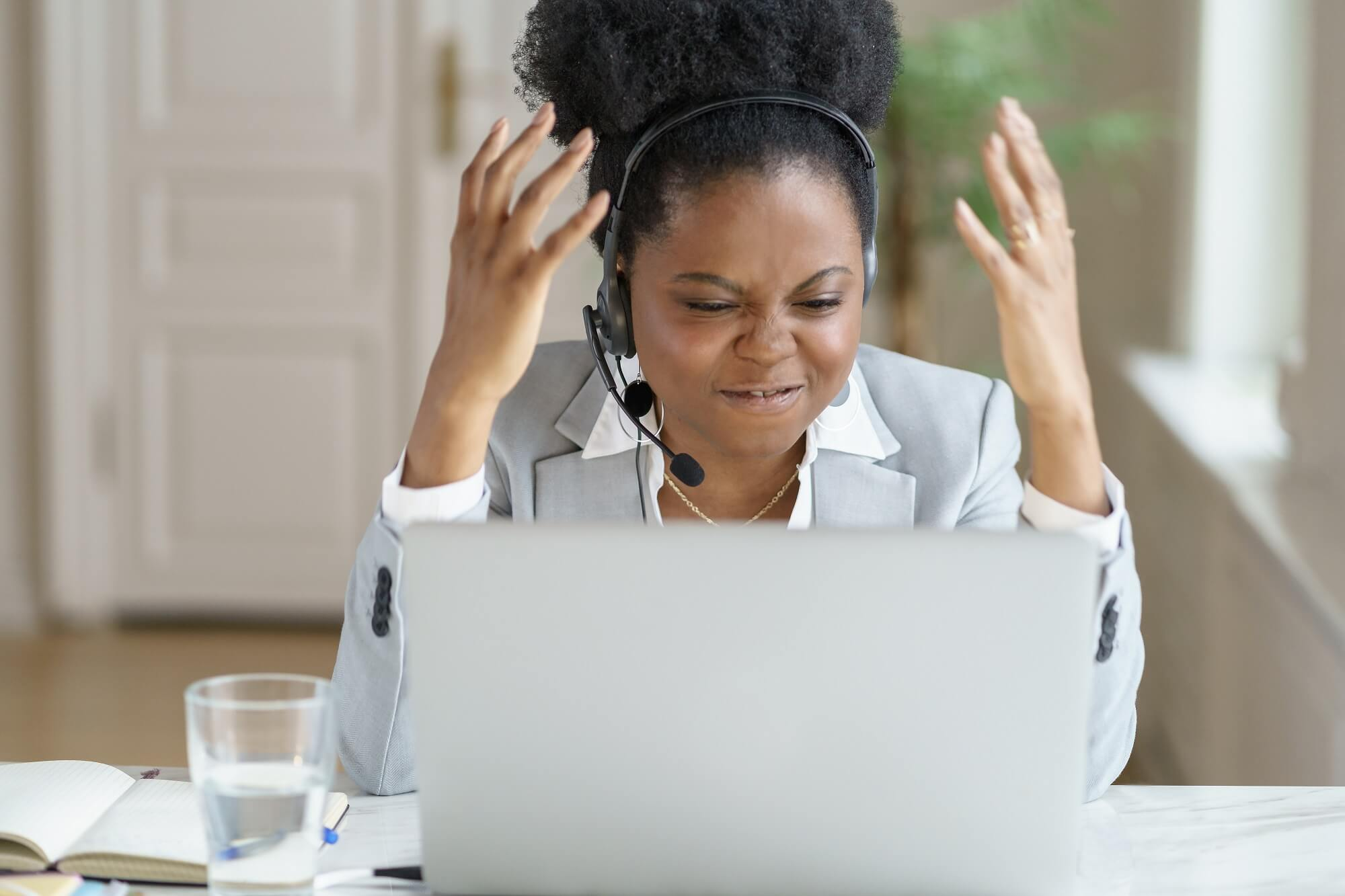 how to handle difficult customer over phone